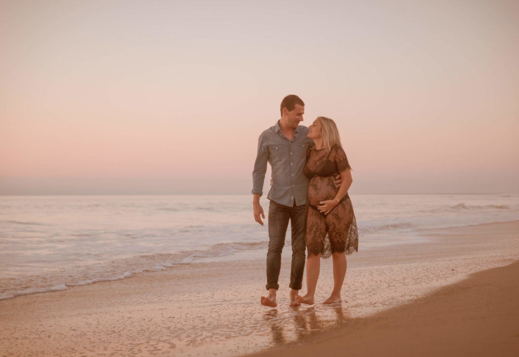séance grossesse extérieur bord de plage les sables d Olonne Vendée