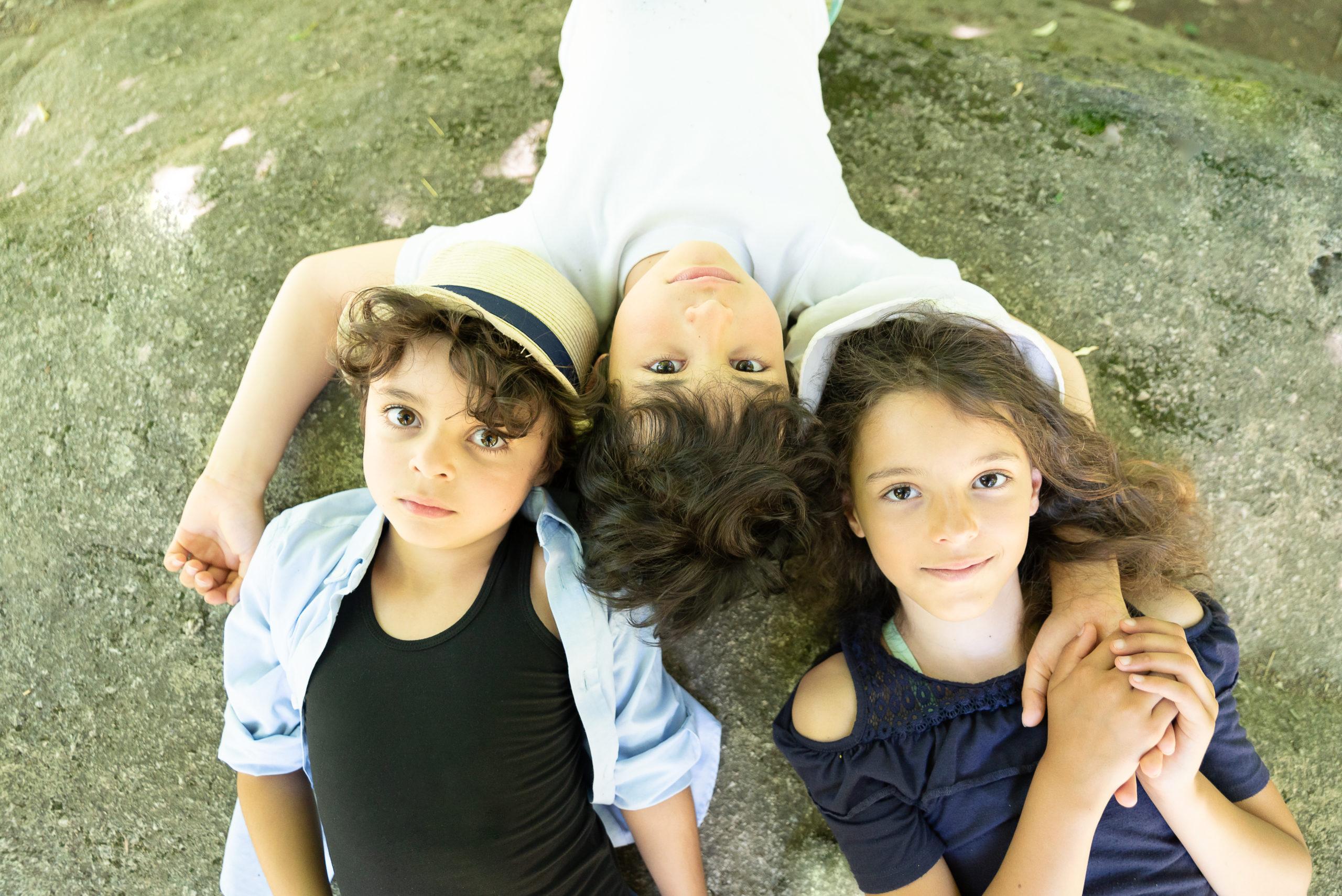 séance photo famille à Piquet en Vendée par Sophie Rouzineau photographe de famille